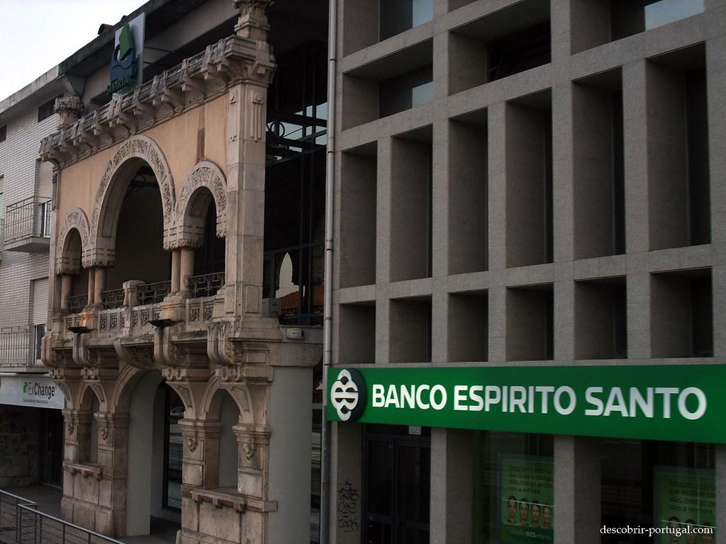 Antiga fachada de prédio conservada