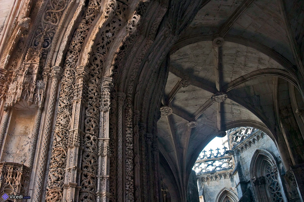 O Manuelino é característico da Renascença portuguesa