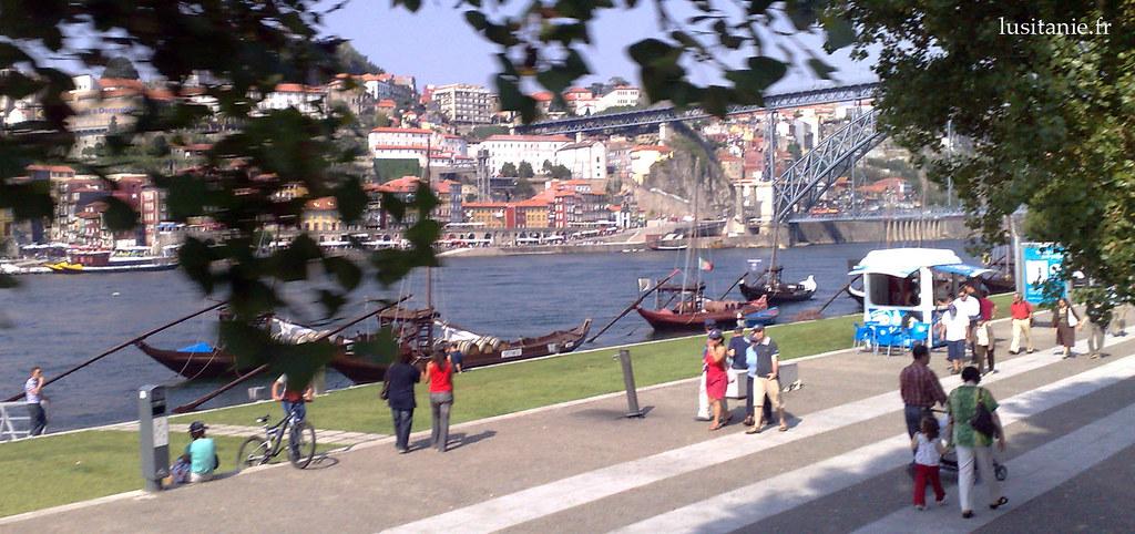 Passeio no cais do Douro