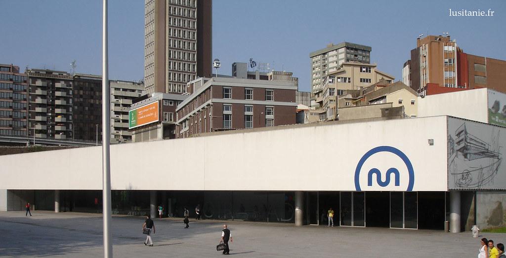 Metro do Porto, estação Trindade