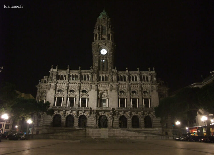 Câmara Municipal do Porto na avenida dos Aliados