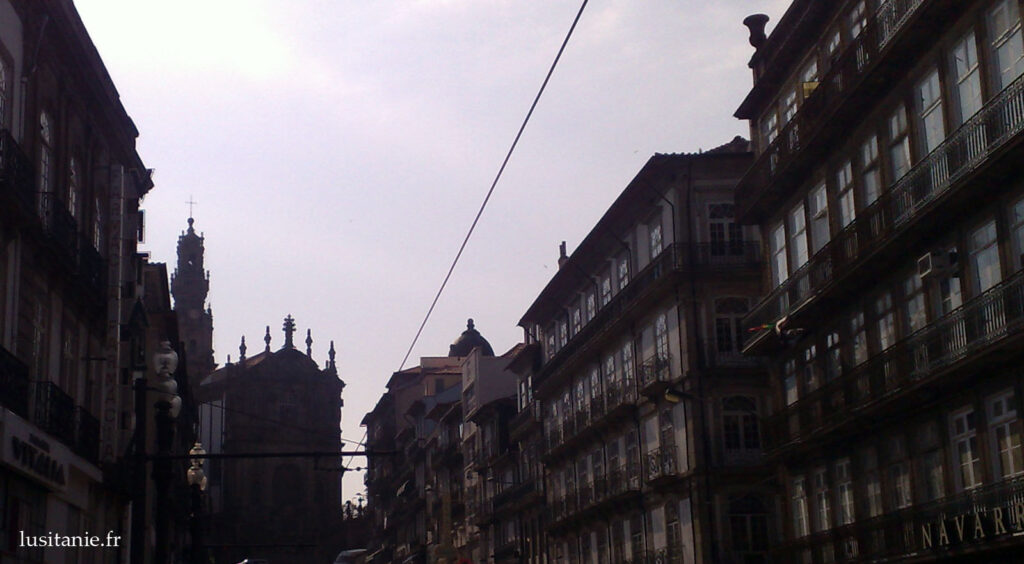 Rua e Torre dos Clérigos