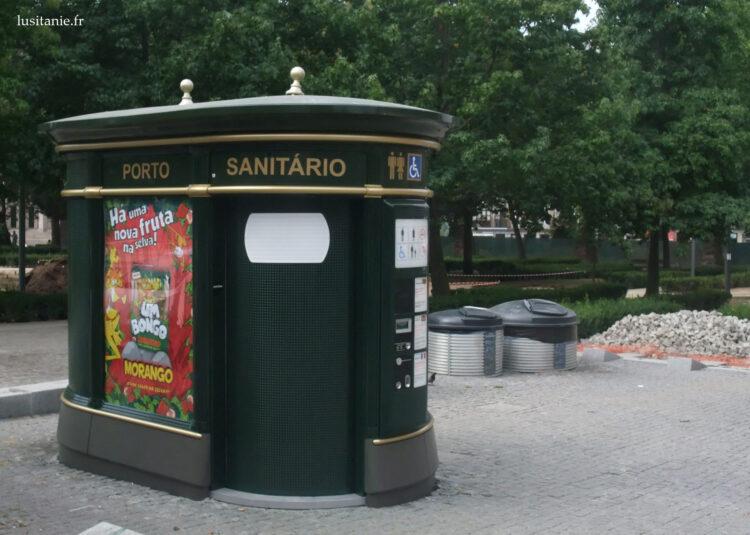 Sanitários públicos do Porto