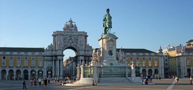 Praça do Comércio e estátua equestre de D. José I, Lisboa